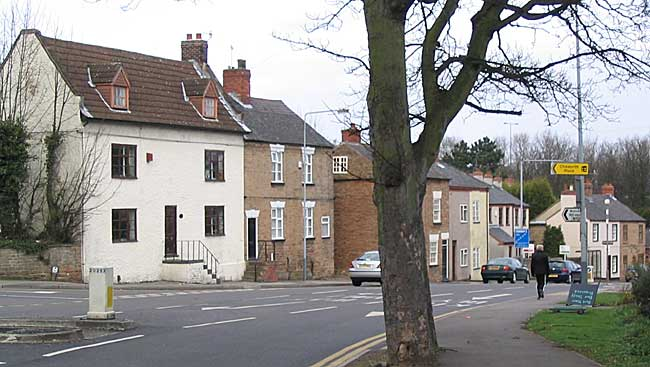 18th and 19th century cottages on Nottingham Road, Nuthall (photo: A Nicholson, 2004).